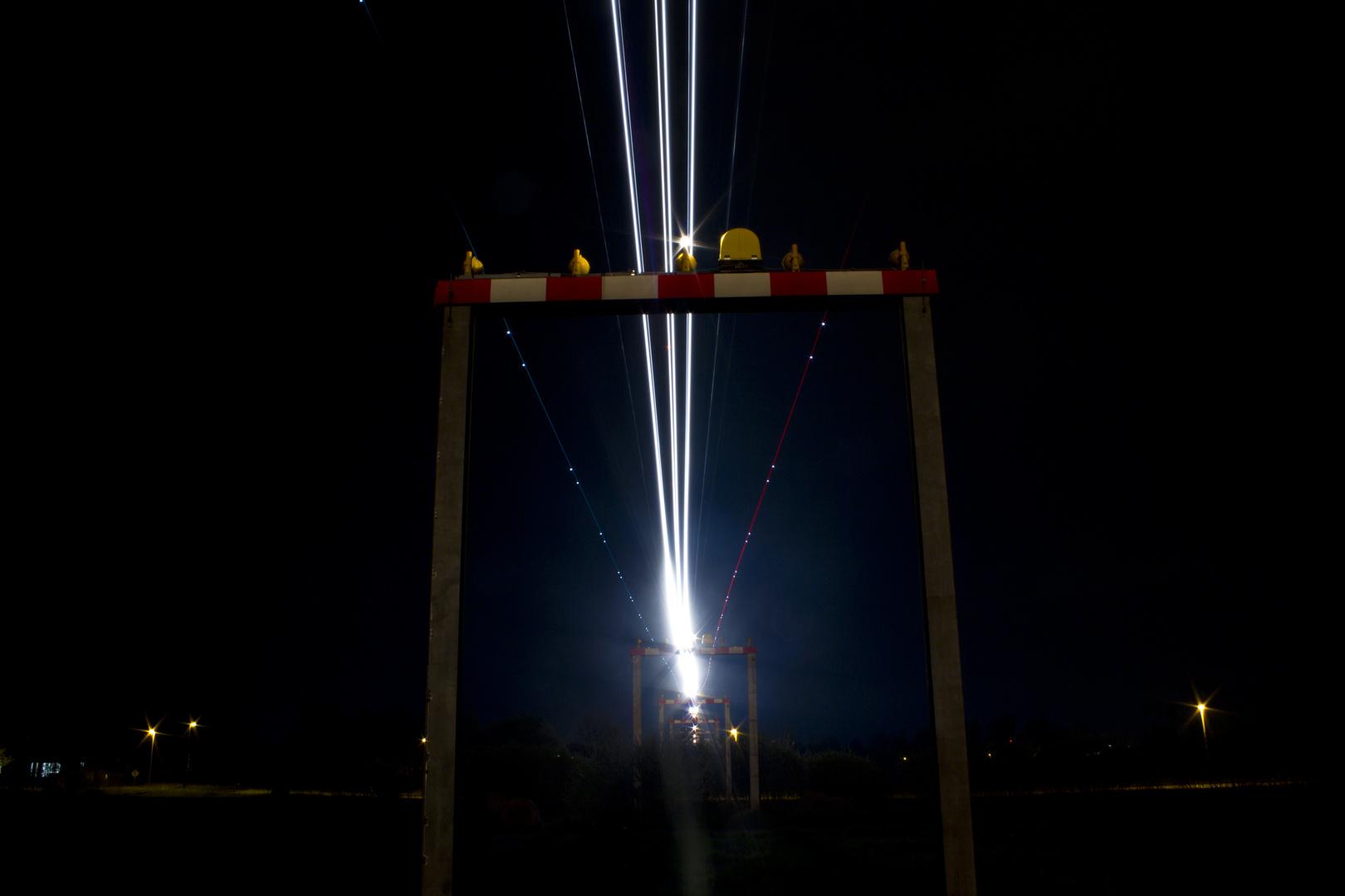 Landeanflug bei Nacht