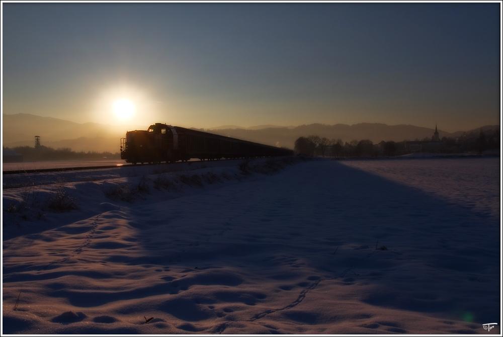 Landesbahn im Gegenlicht