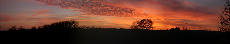 Landschaft bei Sonnenuntergang