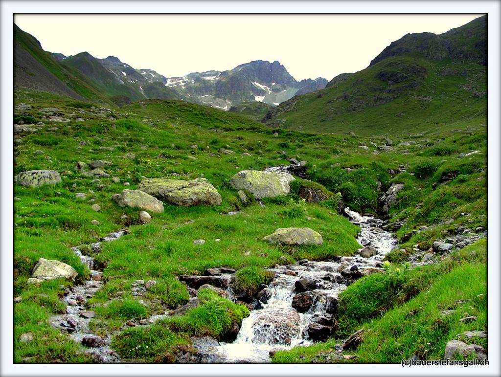 Landschaft mit Bergbach