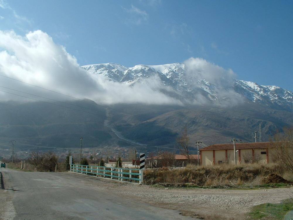 Landschaft und ein kleinstadt aus Türkei