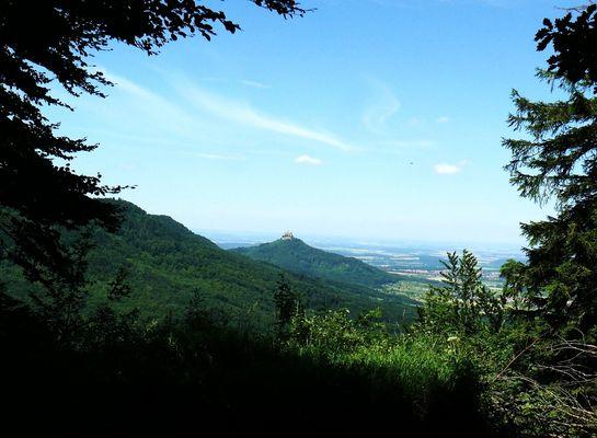 Landschaft zur Burg Hohenzollern (10.07. 2008 )
