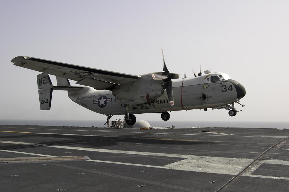 Landung einer C-2A Greyhound auf Flugzeugträger