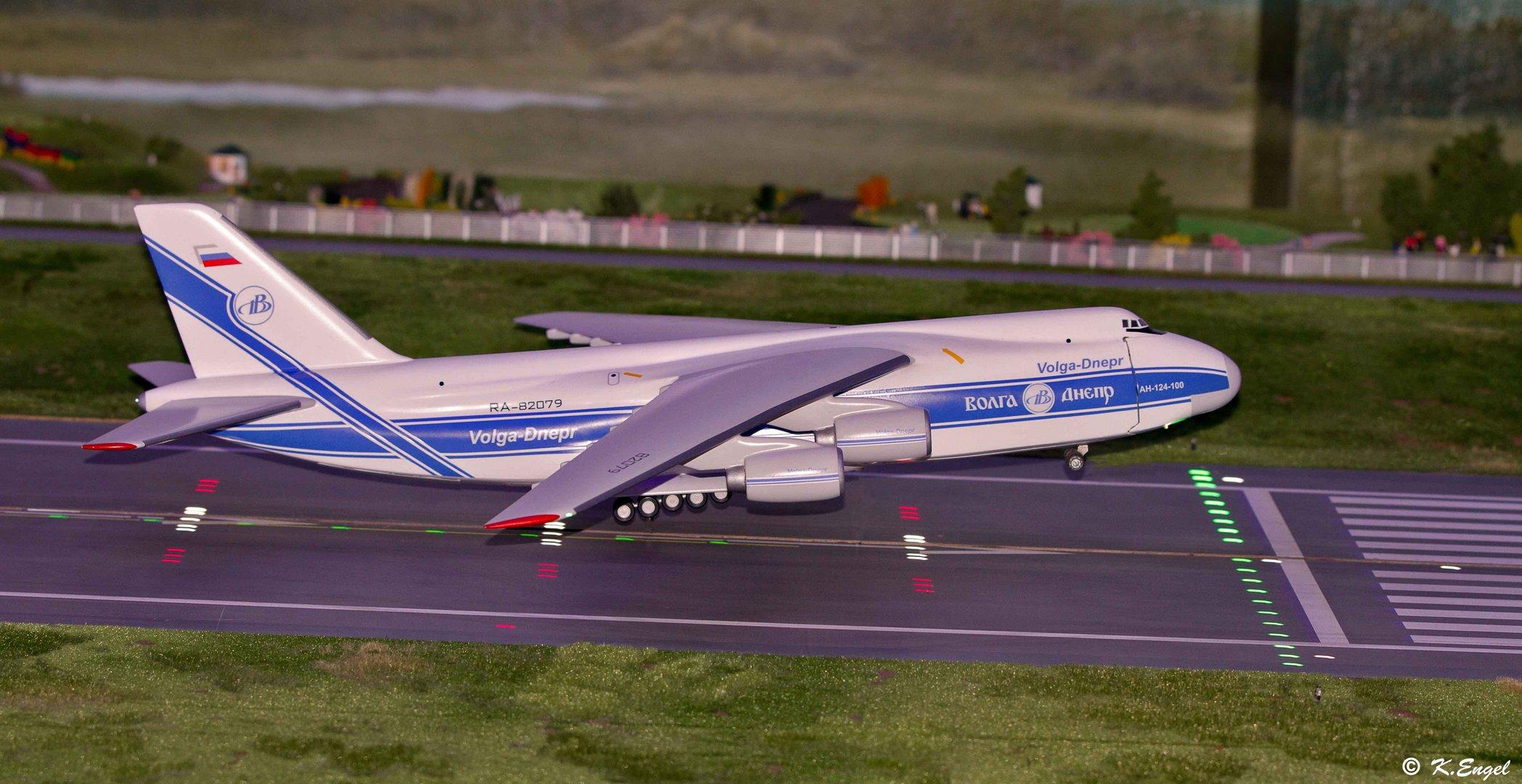 Landung in Knuffingen Airport