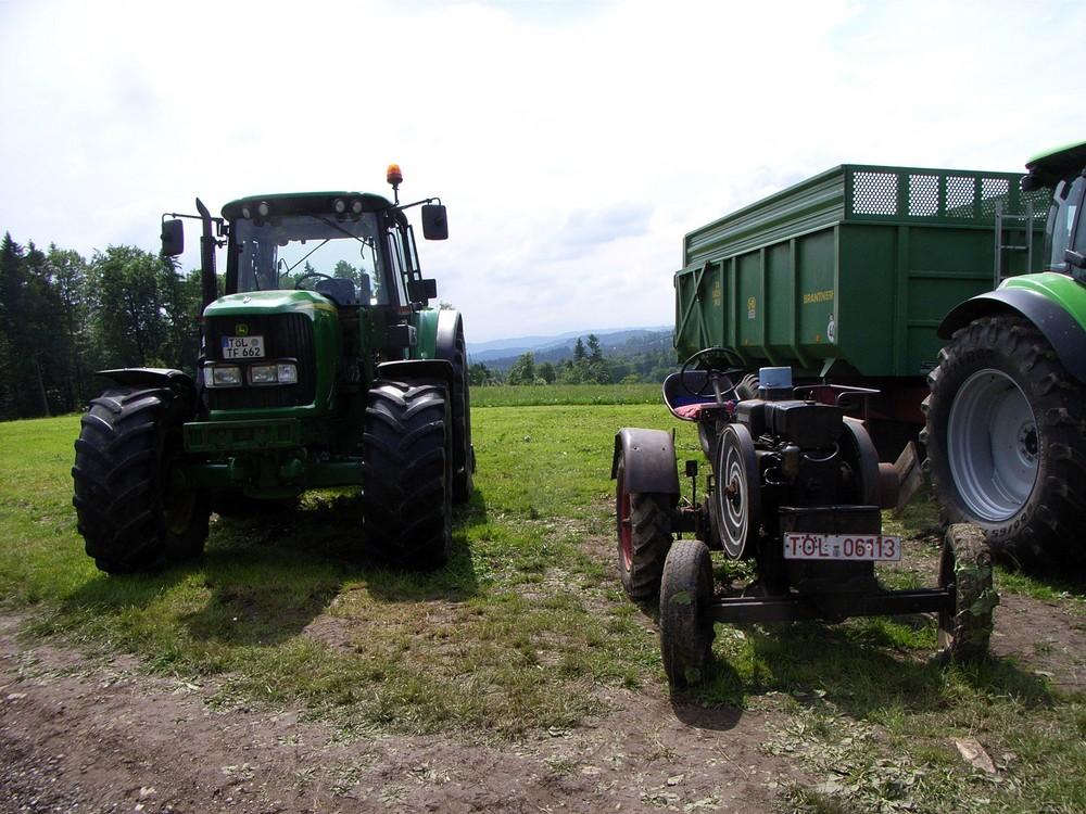 landwirtschaft fr her heute foto bild industrie und technik traktoren. Black Bedroom Furniture Sets. Home Design Ideas