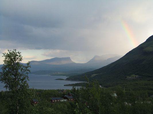Lapporten mit Regenbogen