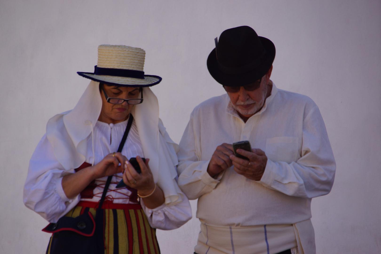 Laptop und Lederhose - auch in San Sebastian de la Gomera