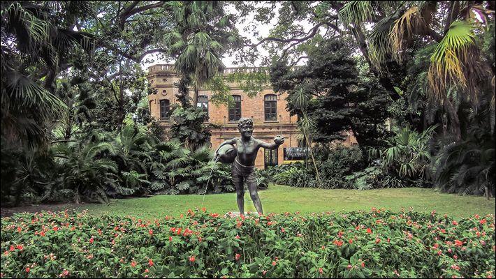L'Aquaiolo - Estatua-fuente en bronce, obra del escultor italiano Vincenzo Gemito
