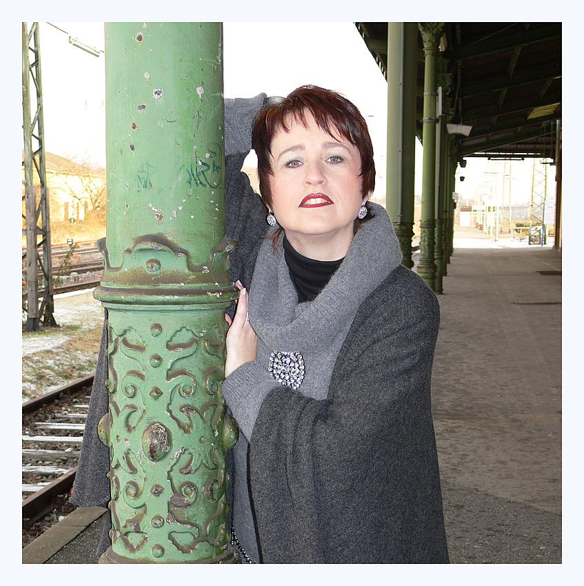 LARA LAWLESS: Rendevous at Destiny Station