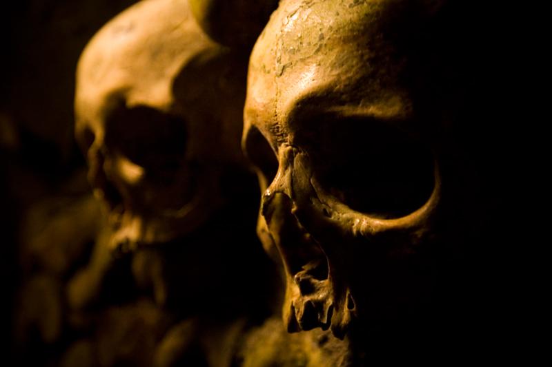 *Lasset die Toten die Toten begraben*