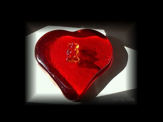 Lasst Licht und Liebe und ein Gummibärchen in mein HERZ!