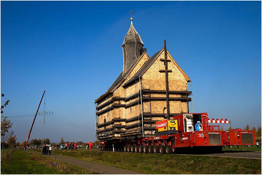 .... laßt mal die Kirche im Dorf...