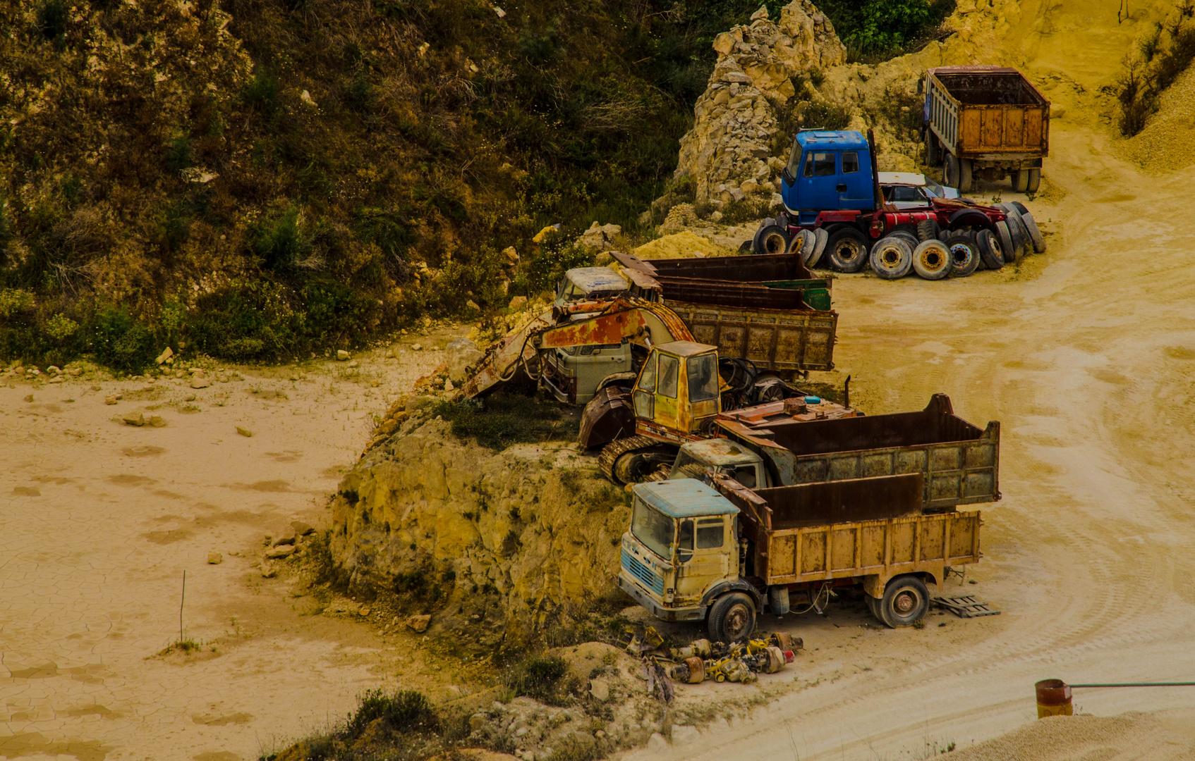 Lastwagen & Steinbruch