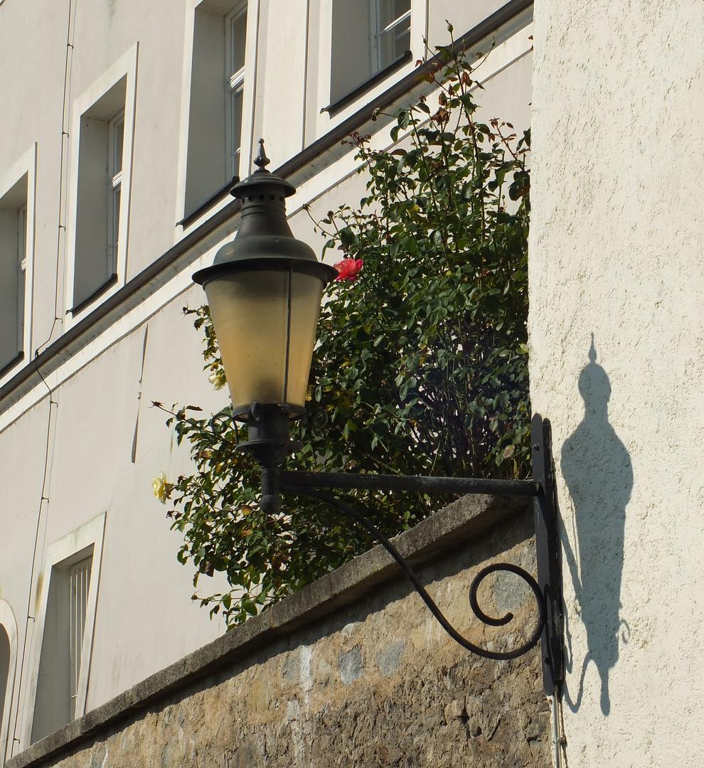 Laterne mit Schatten