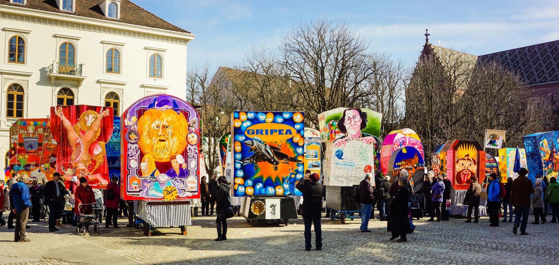 Laternenausstellung auf dem Münsterplatz während der Basler Fasnacht