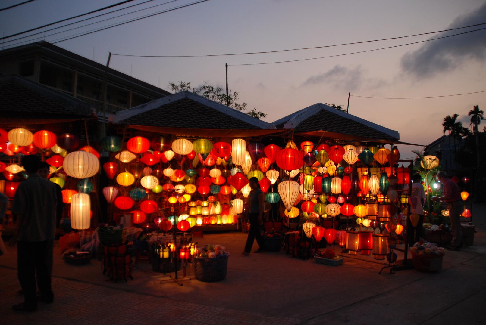 Laternenverkäufer in Hoi An