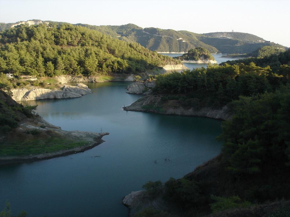 lattakia* lake of 16 October dam