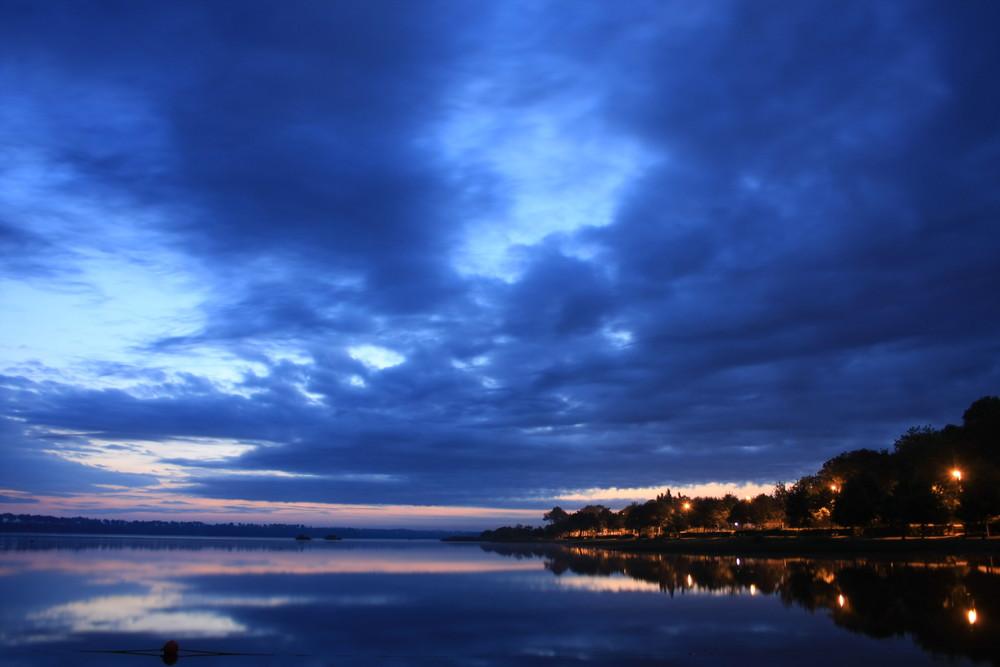 l'aube sur le lac