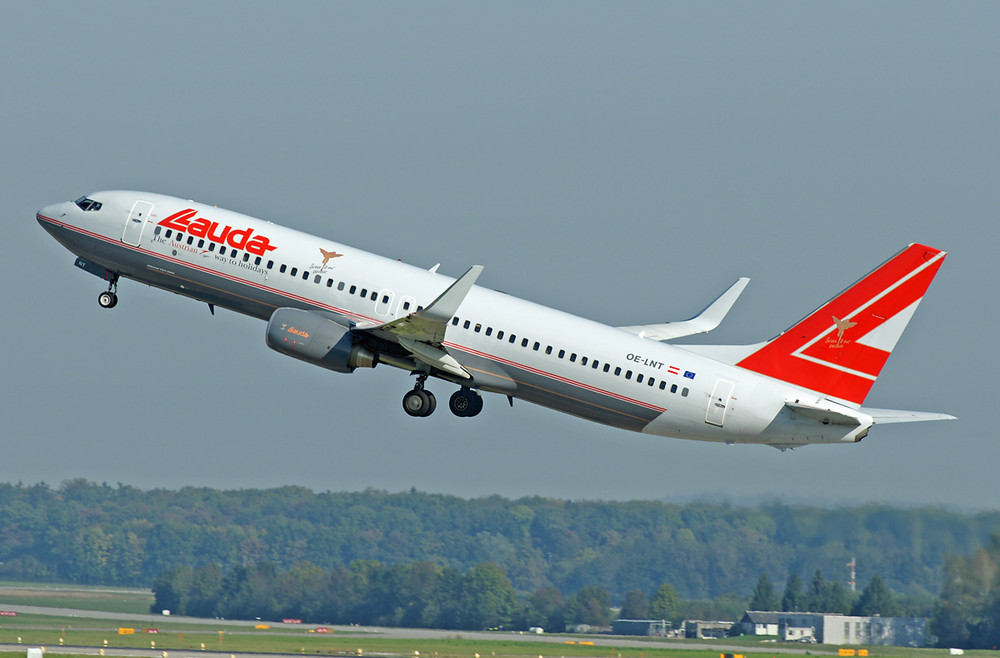 Lauda Air Boeing 737-8Z9