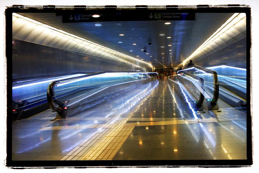 laufbänder in den metro barcelonas