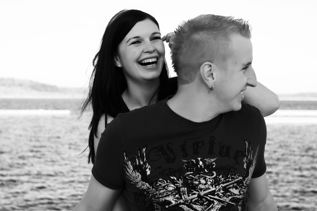 laugh & love