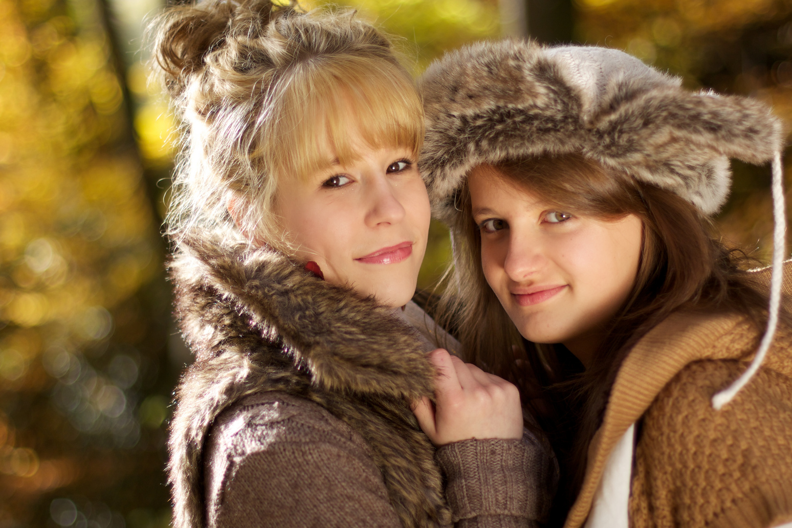 Laureen und Emilia in Farbe