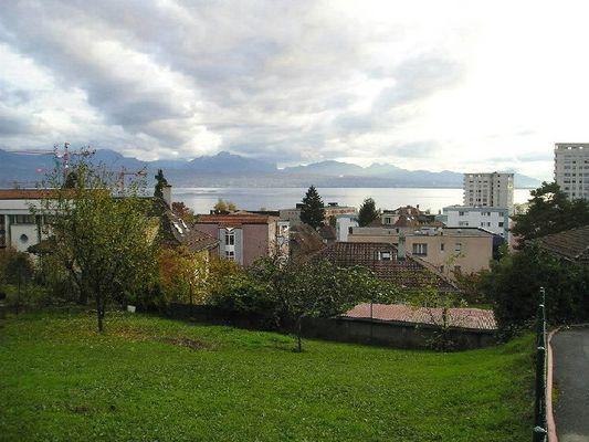 Lausanne mit Blick auf den Genfer See