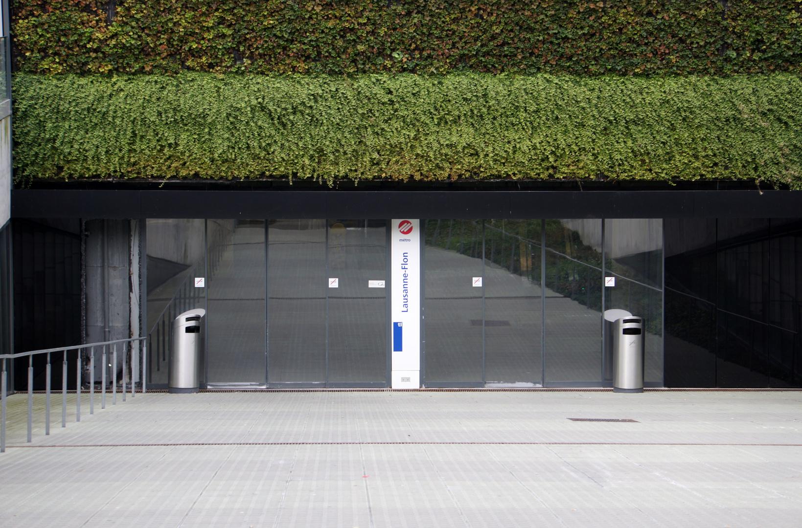 Lausanne, Schweiz, S-Bahn Haltestelle Lausanne-Flon