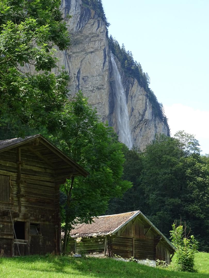 Lauterbrunnental mit Staubbachwasserfall