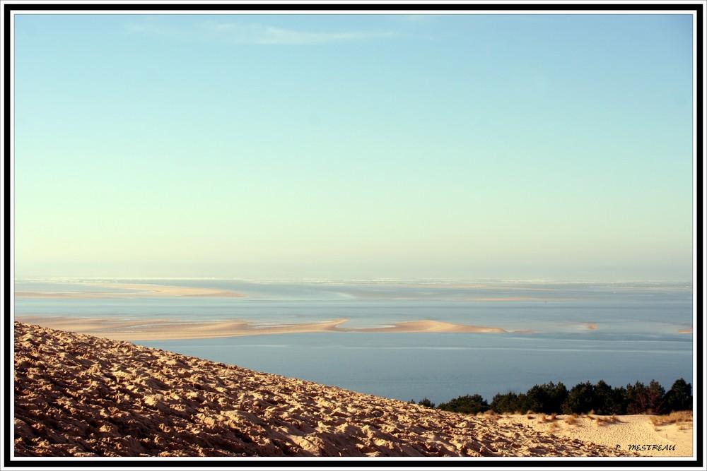 le banc vu de la dune