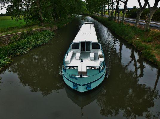 Le CAPITAN  sur le Canal du Midi