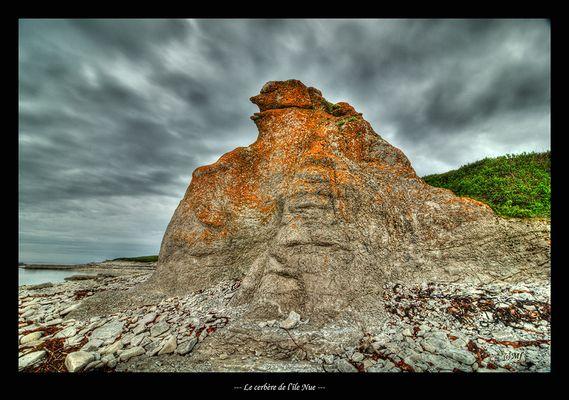 Le cerbère de l'Île Nue.