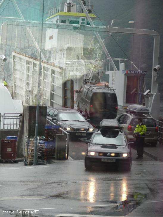 Le chaos du ferry / Chaos an der Landestelle