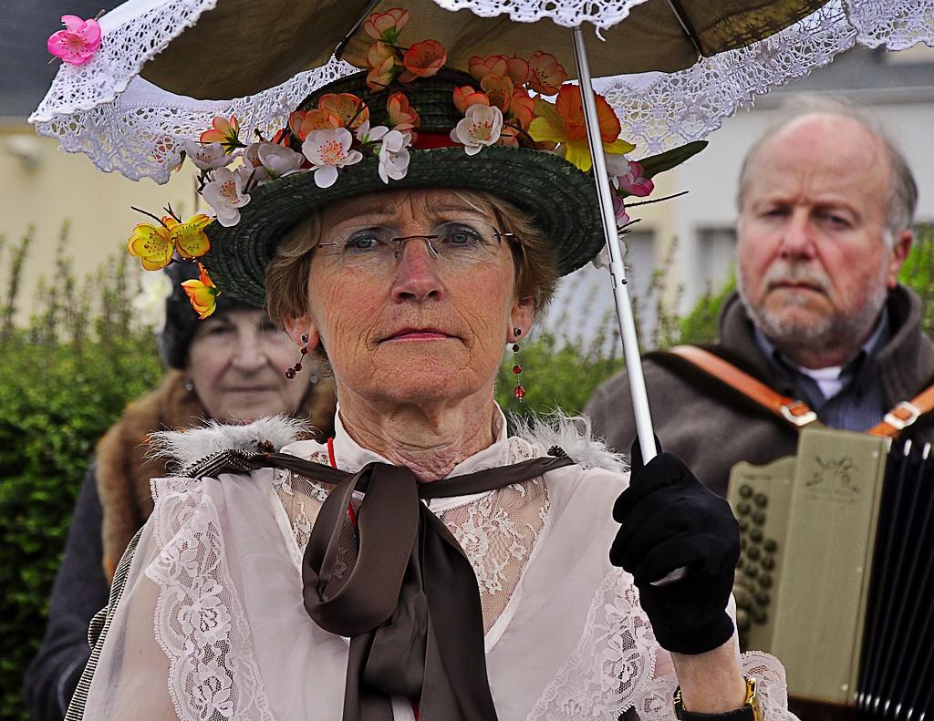 le chapeau fleuri
