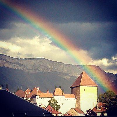 Le chateau et l'arc en ciel.