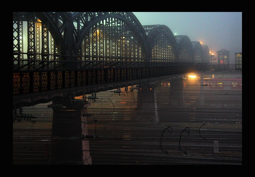 le chemin à la gare