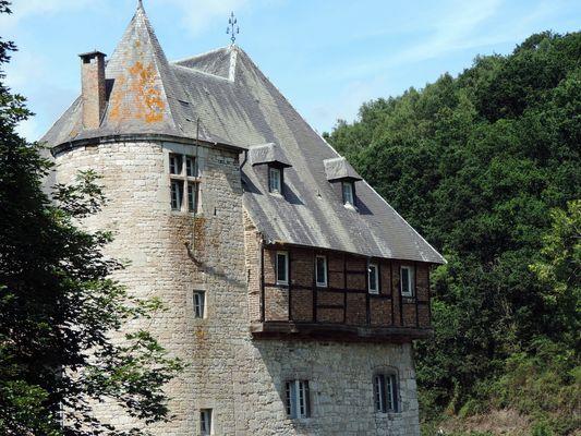 Le Château de Crupet XI e S.
