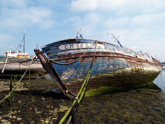 Le cimetière des bateaux au Camaret s/ Mer