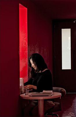 Le couloir rouge.