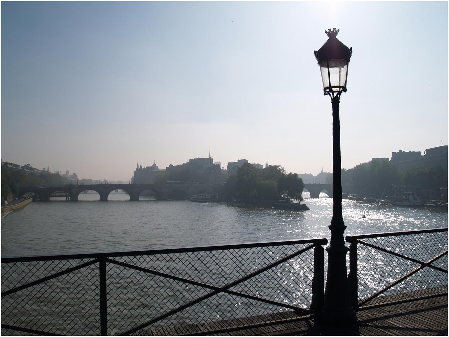 Île de la Cité und Pont Neuf in der Morgensonne