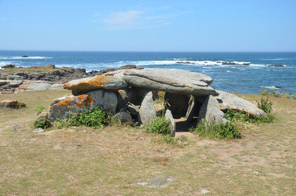 Le dolmen de la Planche à Pouare (Île d'Yeu)