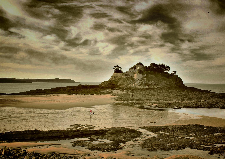Le Fort du Guesclin est construit sur un îlot, l'île du Guesclin