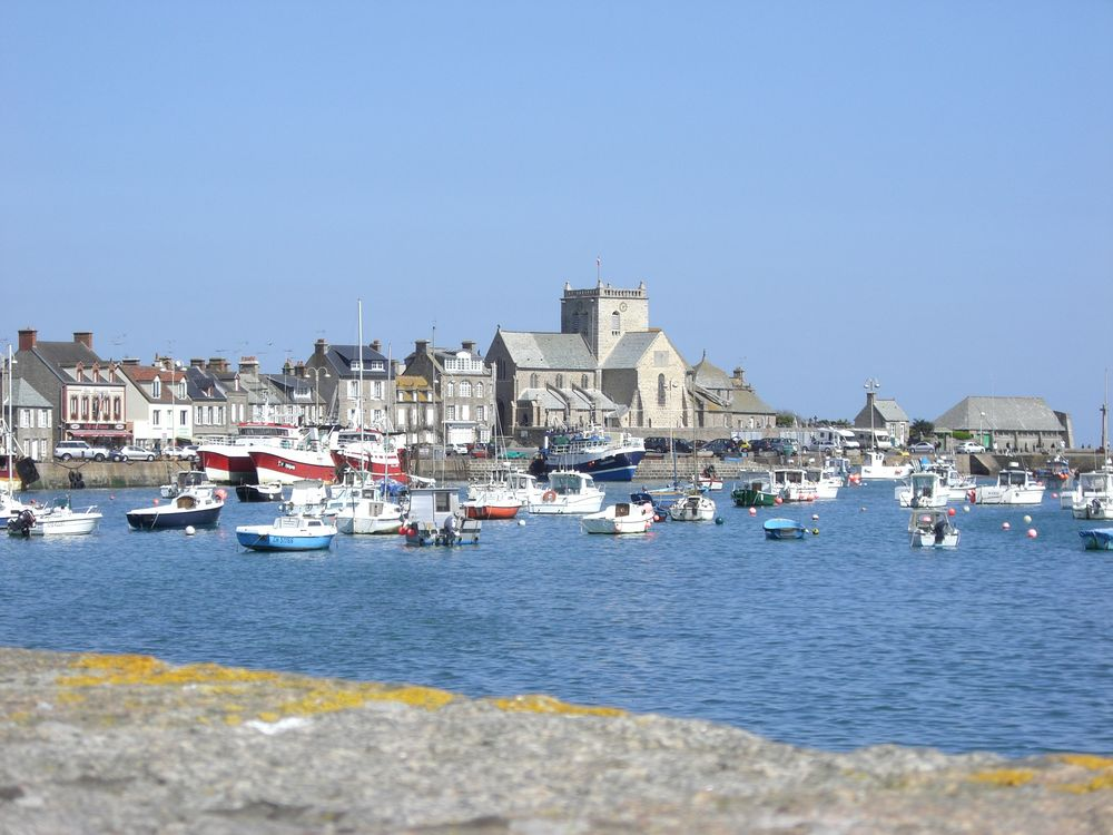 Le joli petit port de Barfleur