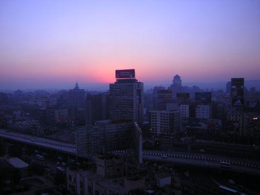 Le jour se lève sur le Caire