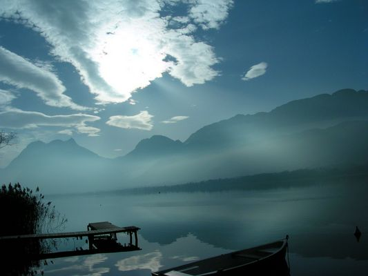 Le lac D'annecy majestueux