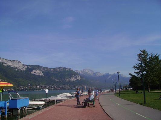 Le lac d'Annecy, sur les quais