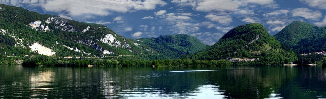 Le Lac de Condrieux (Ain)   © Tous droits réservés