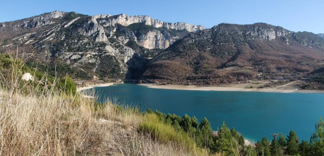 Le lac de Sainte Croix en allant vers Moustiers (O4)
