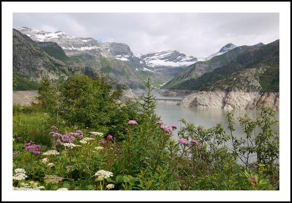 Le lac d'Emosson