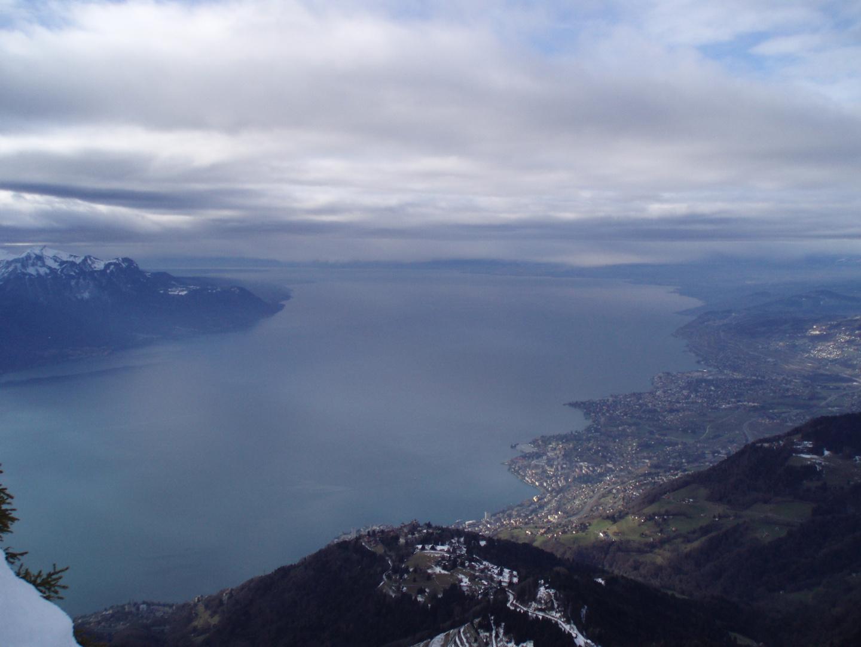 Le Lac Léman vu des Rochers de Naye.